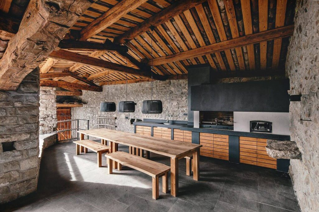 Refurbishment in La Cerdanya by Dom Arquitectura | Photo © Jordi Anguera