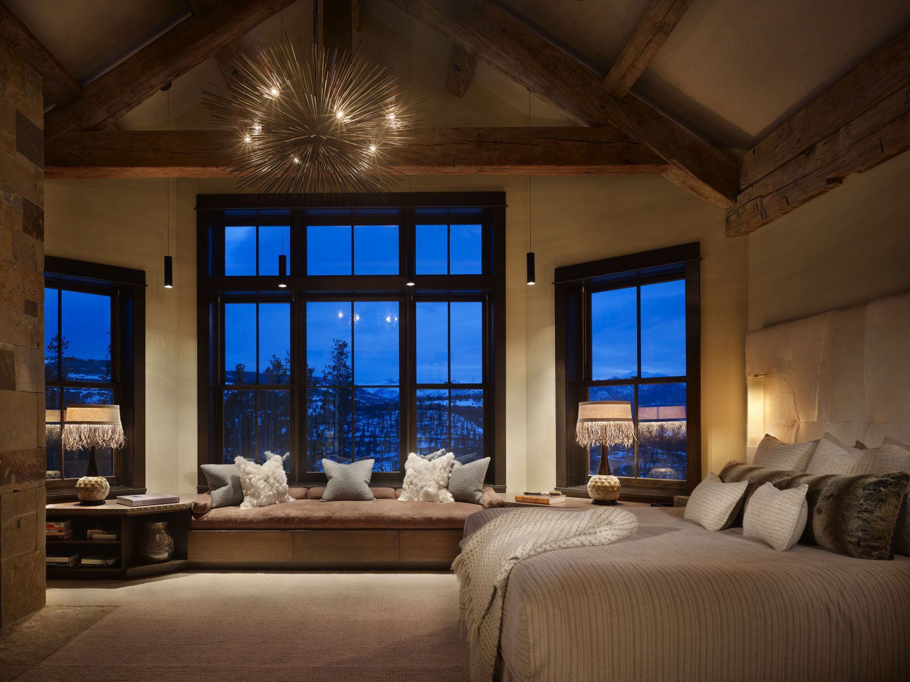 High alpine mountain ranch woodz for Mountain modern bedroom