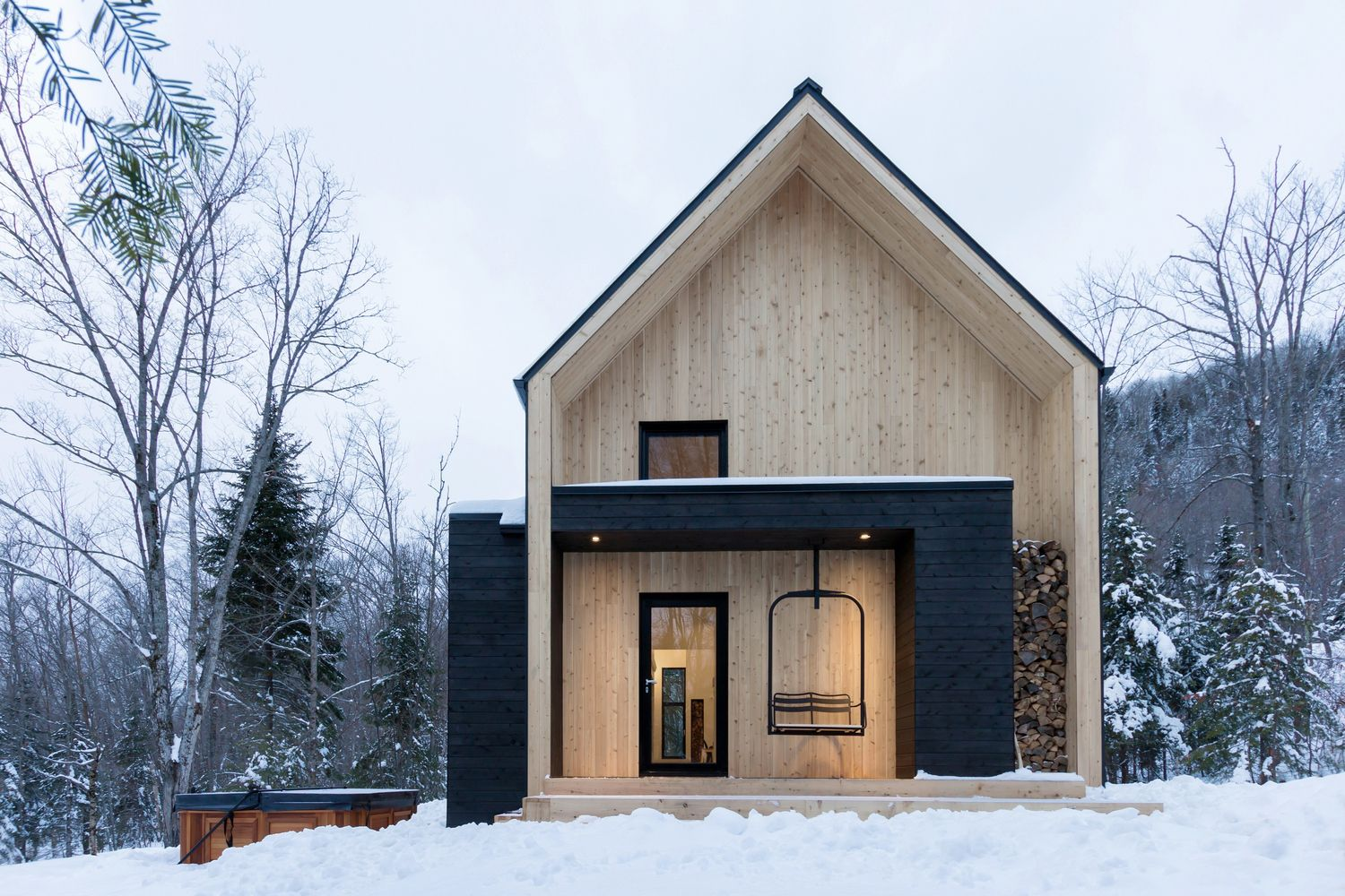This bright cabin in the woods near one of the eastern Canada's best ski resort is a hidden gem, suitable ...