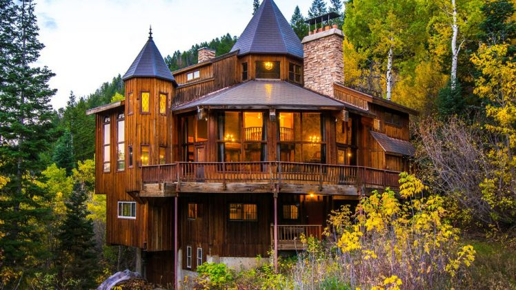 Located right near the National Forest, this castle-cabin combo offers easy access to hiking in summer and skiing at the ...