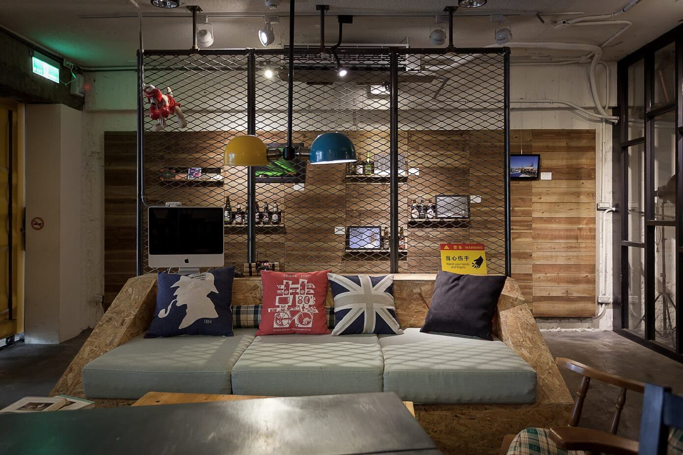 Laundry & Coffee Shop by Formo Design Studio | Photo © Mark Hsu
