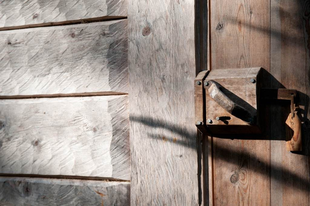 Wooden lock on the door of Pilgrims hut