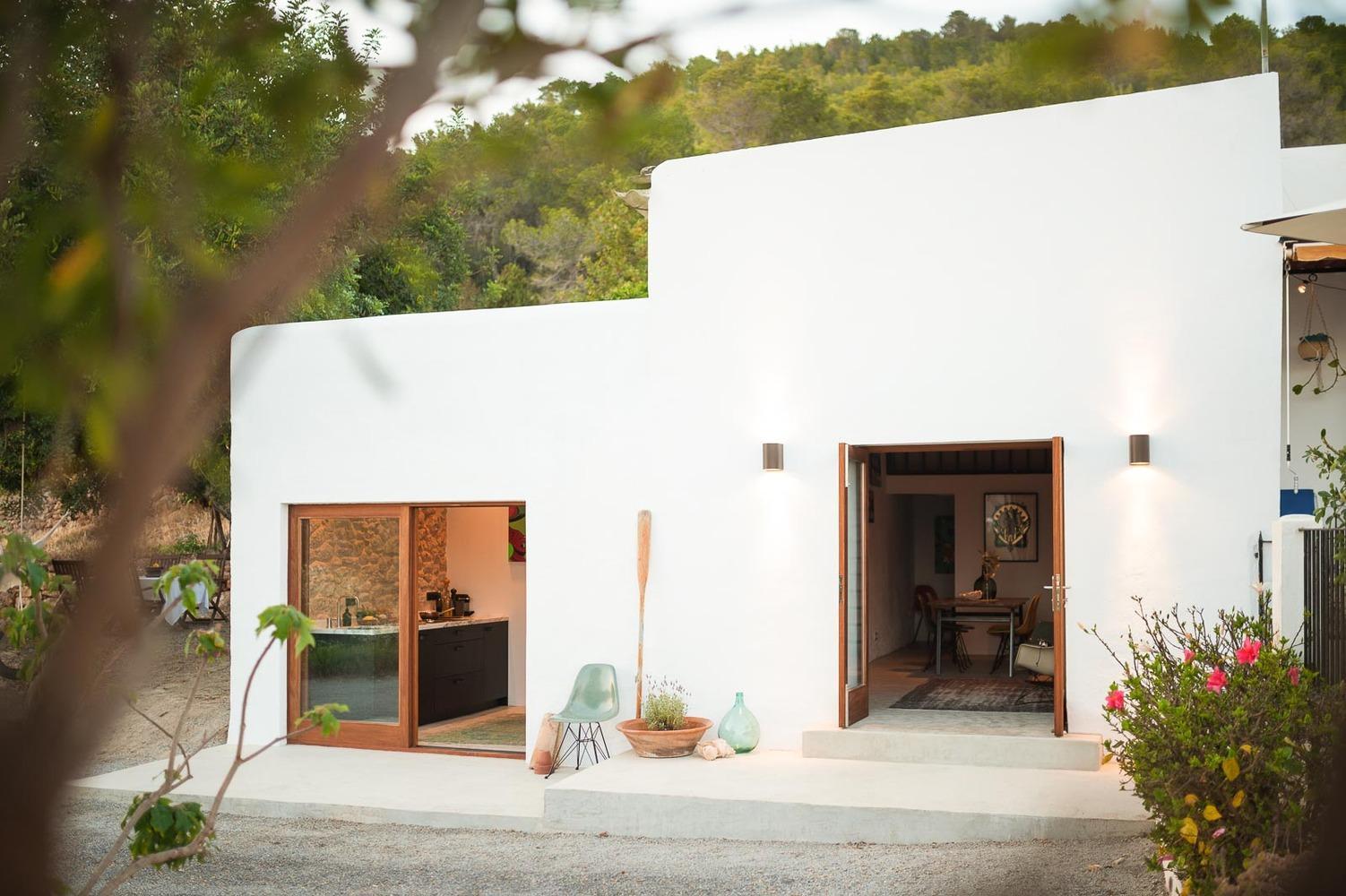 The Ibiza Campo House by Standard Studio   Photo © Youri Claessens