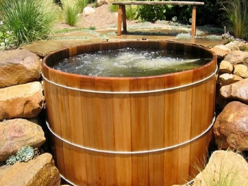 wood hot tub design ideas