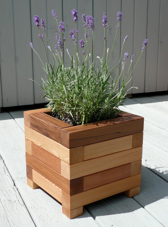 Wood plant holder design ideas