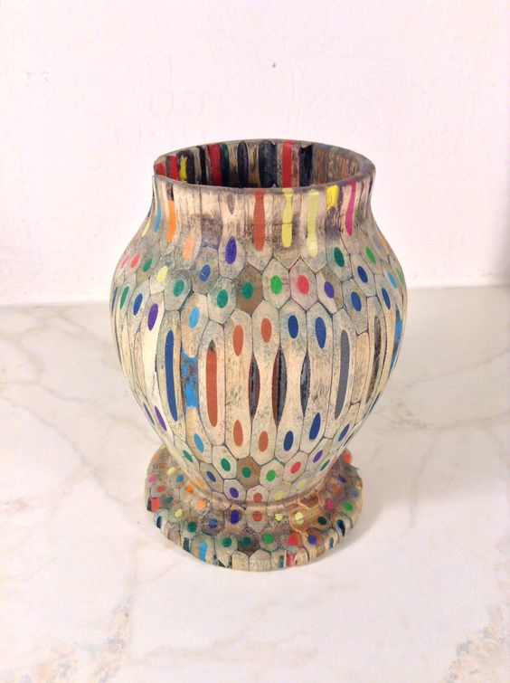 colored pencils wood vase design ideas
