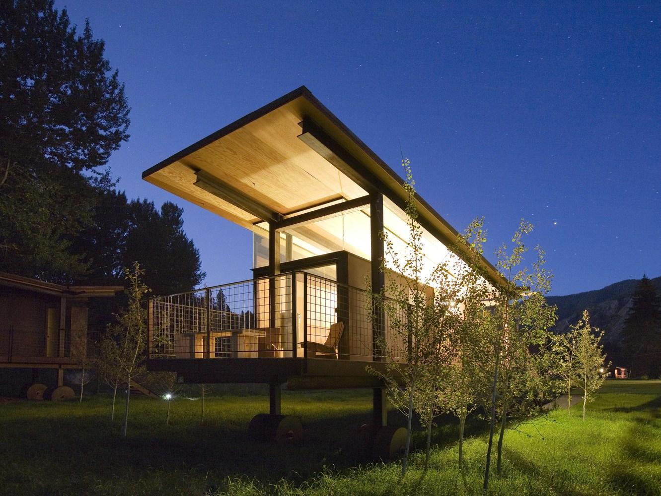 Rolling huts herd woodz for Casas minimalistas pequenas