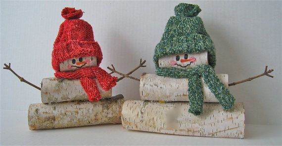 Here are 5 funny and festive ideas of using logs as outdoor decorations.