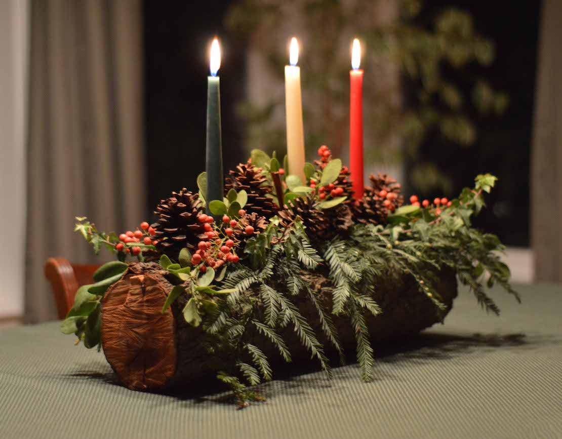 How to make a christmas yule log decoration - 15 Ideas To Decorate Your Home With Recycled Wood