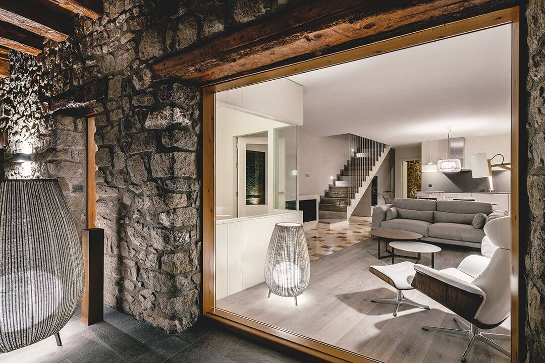 Stone and wood design renovated in La Cerdanya