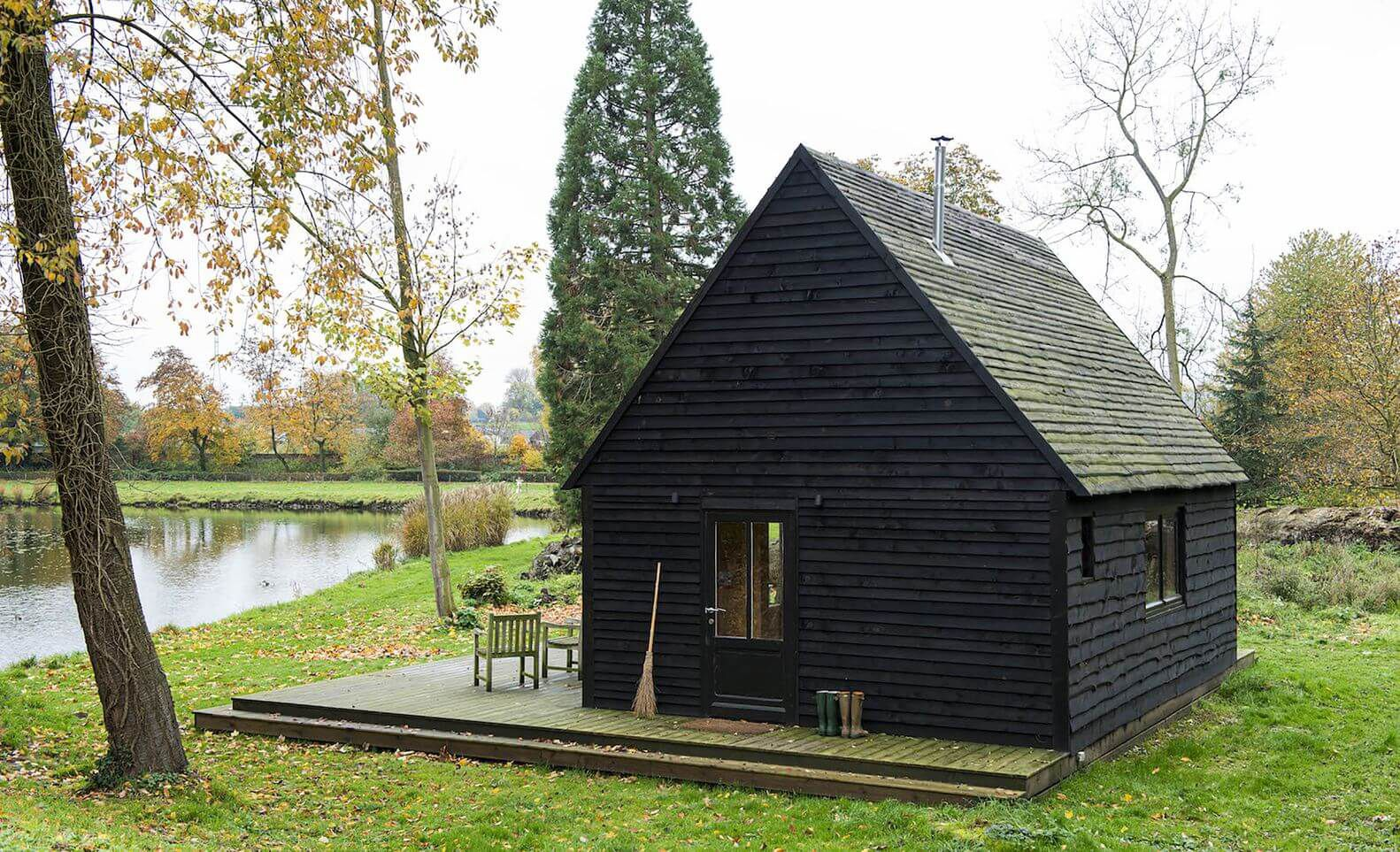 wooden lake cabin in Belgium rural