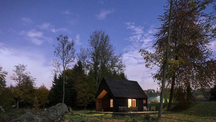 A self-build project, the new 35 m2 cabin replaces an old dilapidated timber structure. The brief was to create a ...