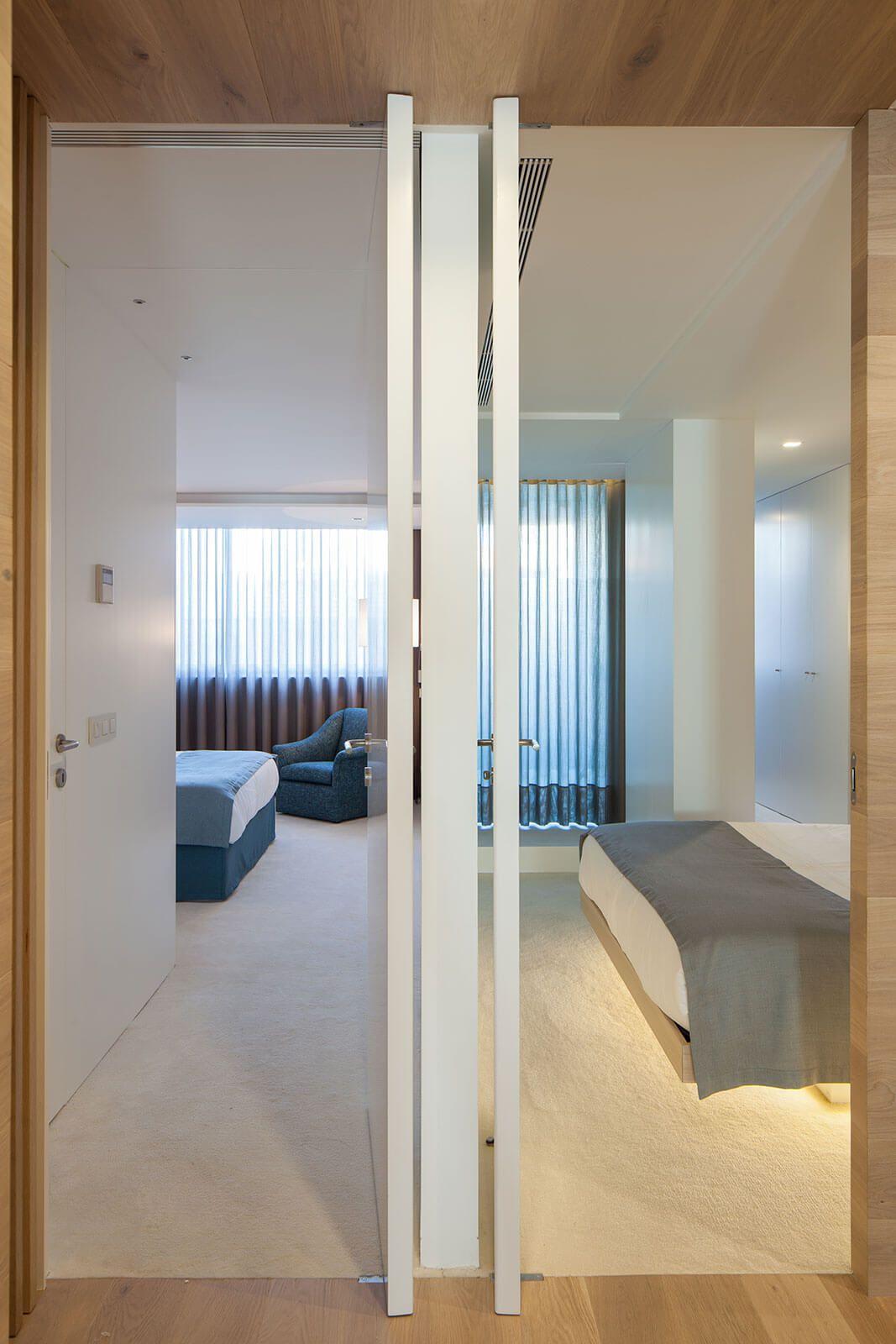 white and wood modern interior deisgn