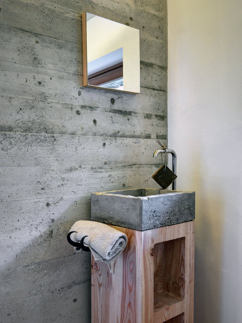 Mountain house design concrete sink and wall combining wood bathroom