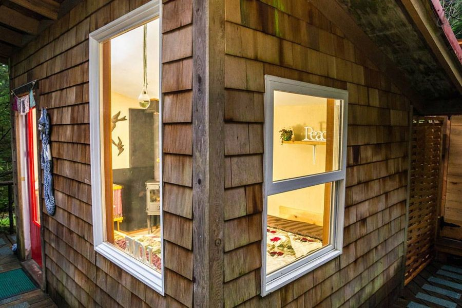 wooden wall shingles magic airbnb
