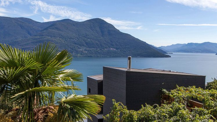 Contemporary lakeside residence designed in 2012. Situated in Switzerland.