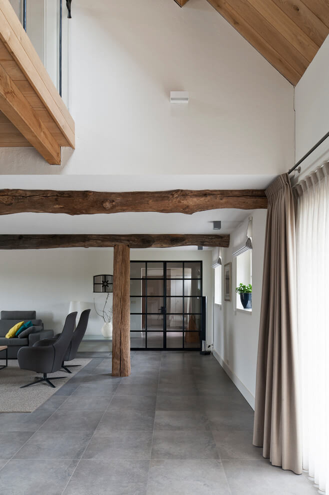 Exposed wooden columns / pillars and beams in Netherland