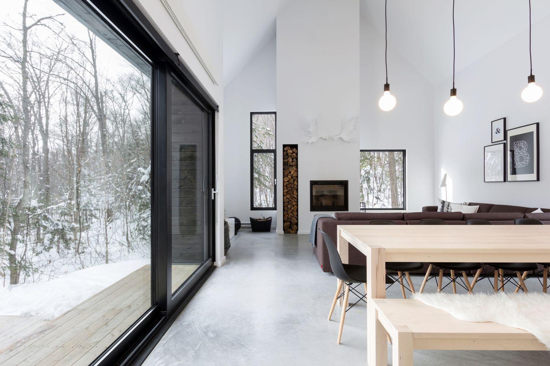 modern luxury cabin Scandinavian-inspired wooden cottage in Québec