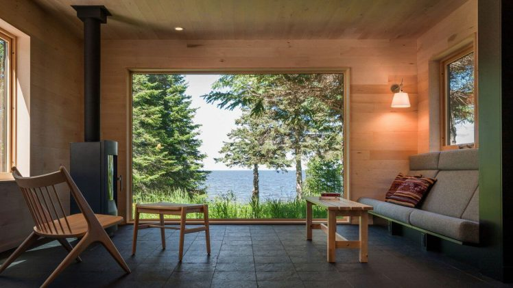Through the woods to the water and there you will find this charming family retreat house.