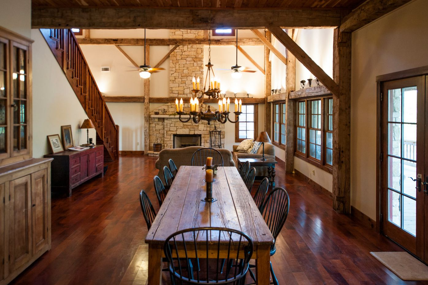 renovated old 1800′s English-framed barn in Texas