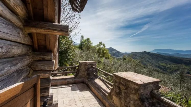 An idyllic cabin is located on a hillside between Bellegro and Olevano Romano in central Italy.