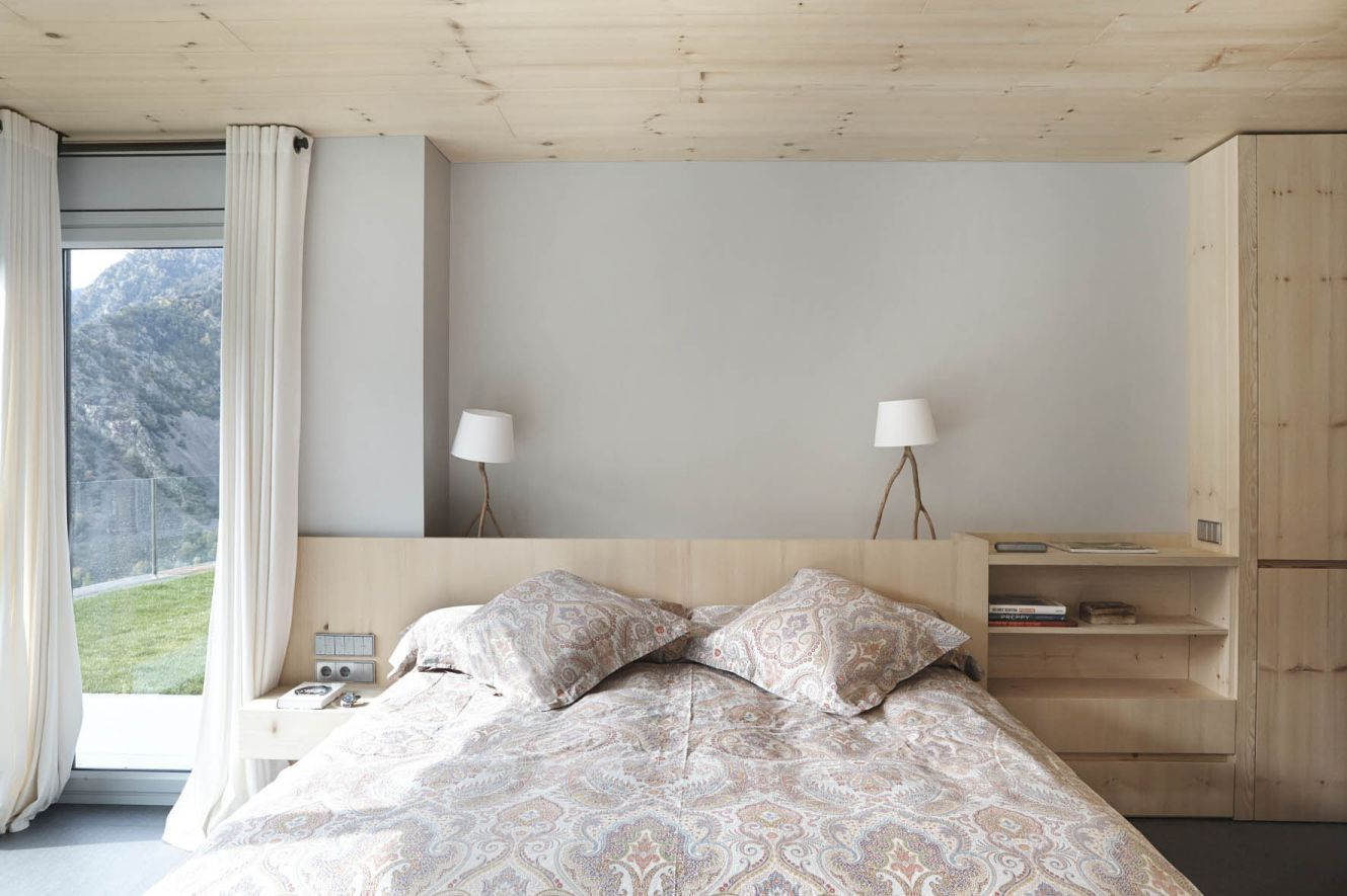Wooden interior - contemporary architecture in Spain