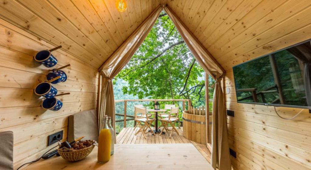 Glamping tiny flower wooden cabins