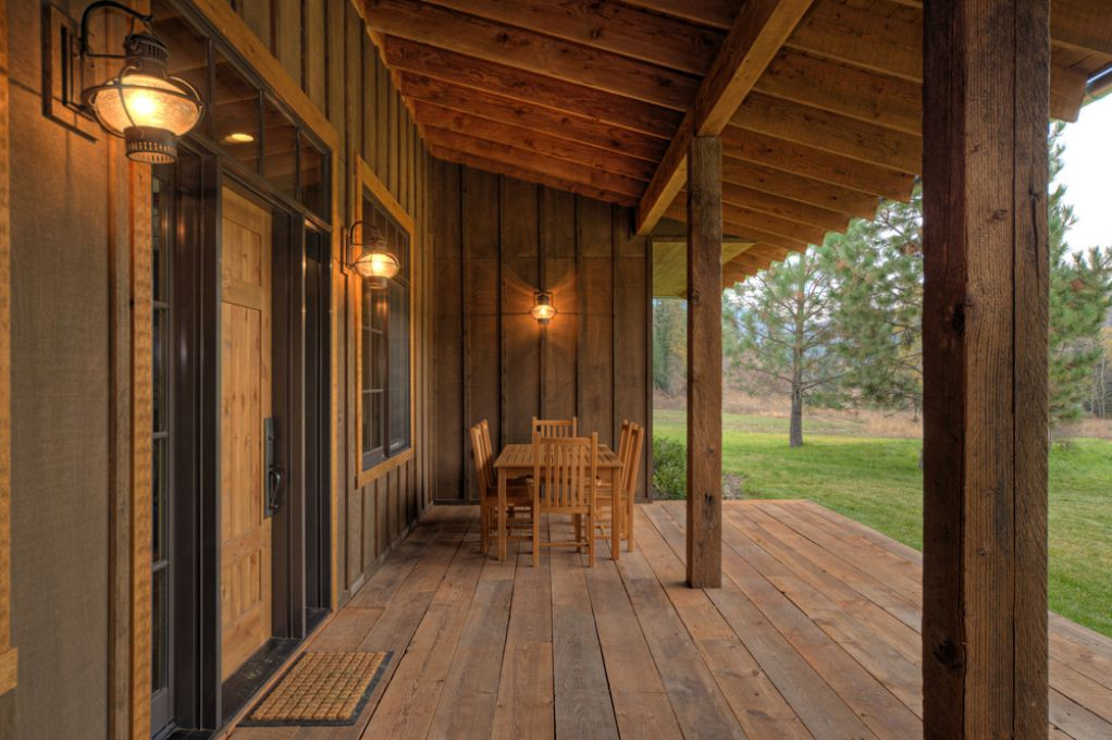 Wooden ranch house / farmhouse front porch decking