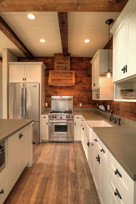 Wooden ranch house / farmhouse kitchen design