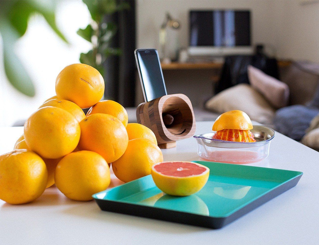 Trobla wooden amplifier for smartphone