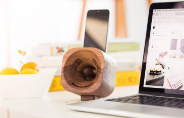 The wooden acoustic amplifier for your smartphone Trobla is designed to optimally enhance the sound from your smartphone in a ...