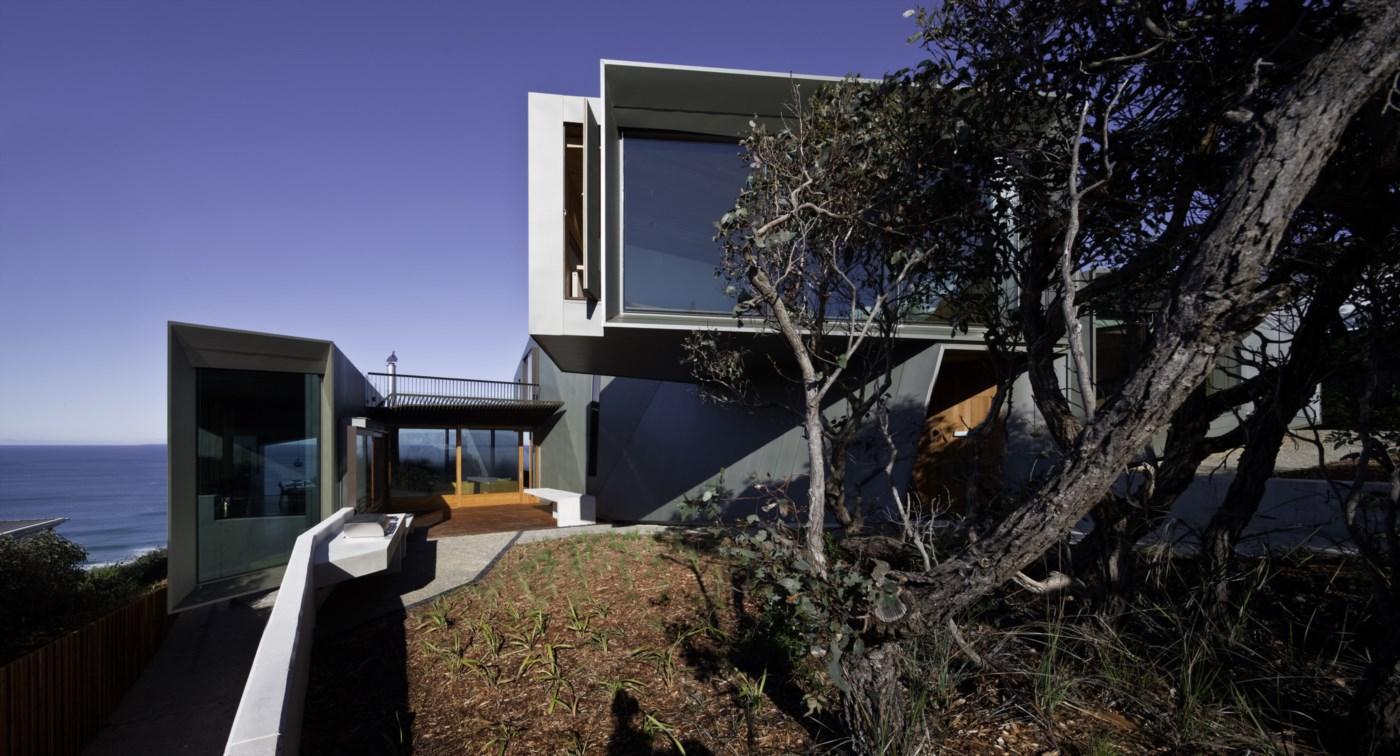 entrance modern beach house