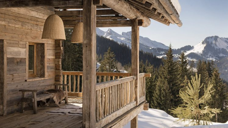 A renovated farm located in the heart of the French Alps. The components of today's contemporary cabin were reused from ...