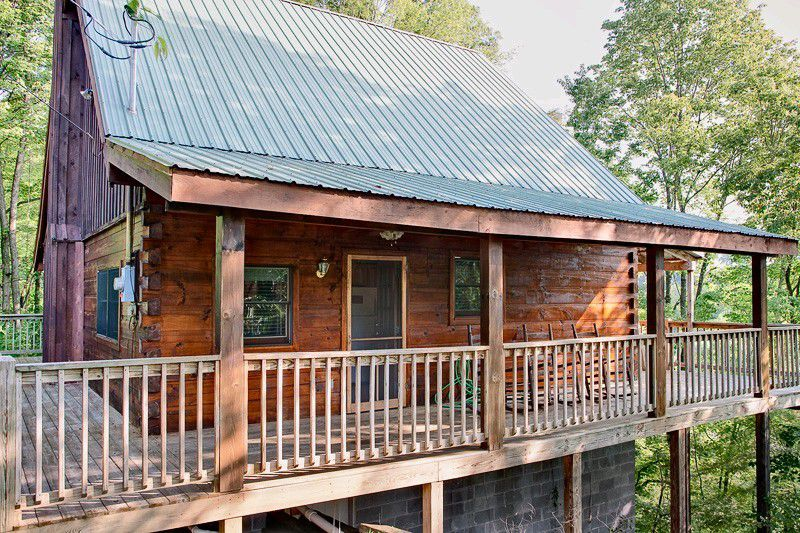 log wood house exterior deck