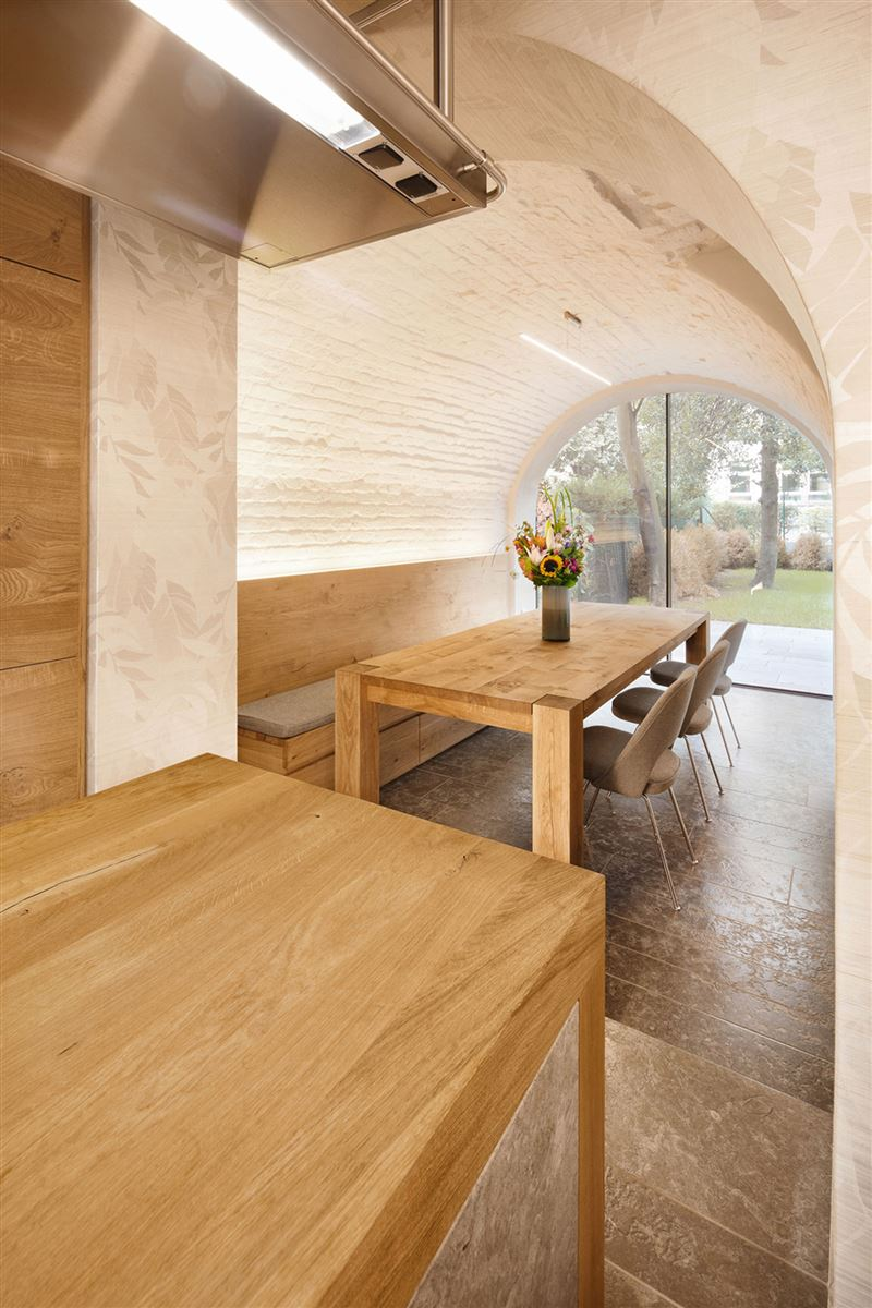 oak wood dining table, contemporary interior design, renovated house germany
