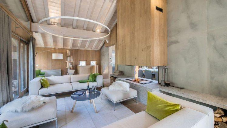 Kibo is a stunning luxury wood chalet located in a private enclave of Courchevel 1550 Village. This is 250 meters ...