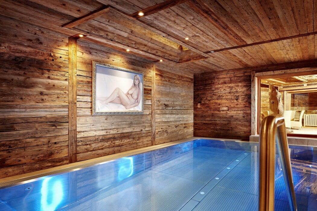 indoor pool, reused wood design and decoration ideas, wood wall and ceiling
