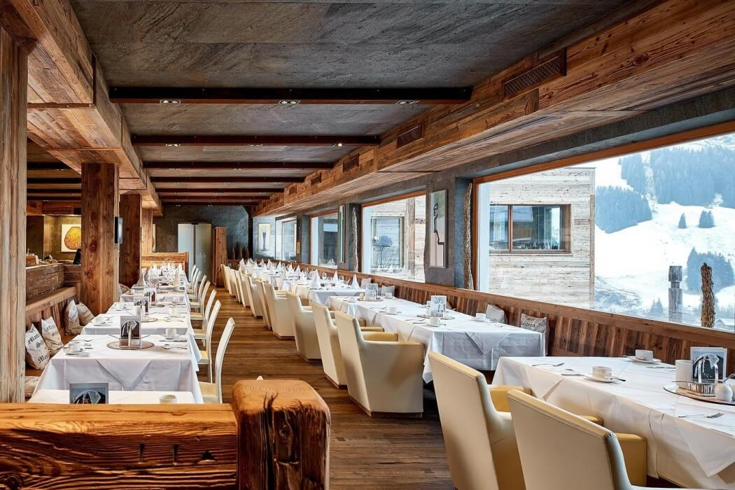 Art ski in hotel hinterhag woodz for Ski designhotel