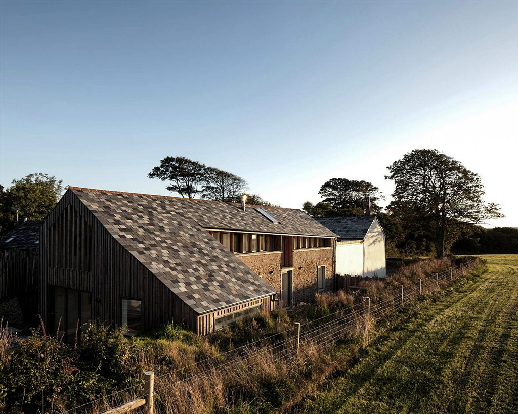 wood renovated barn in bude, design ideas