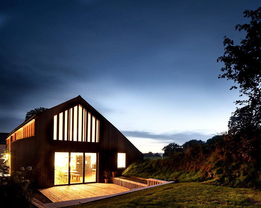 renovated barn in bude at night