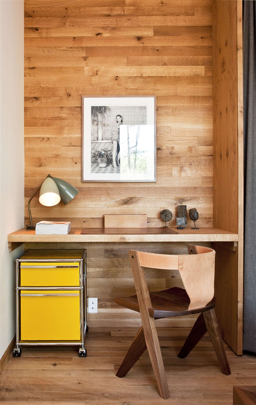 wood wall and floor, wooden chair and desk design ideas