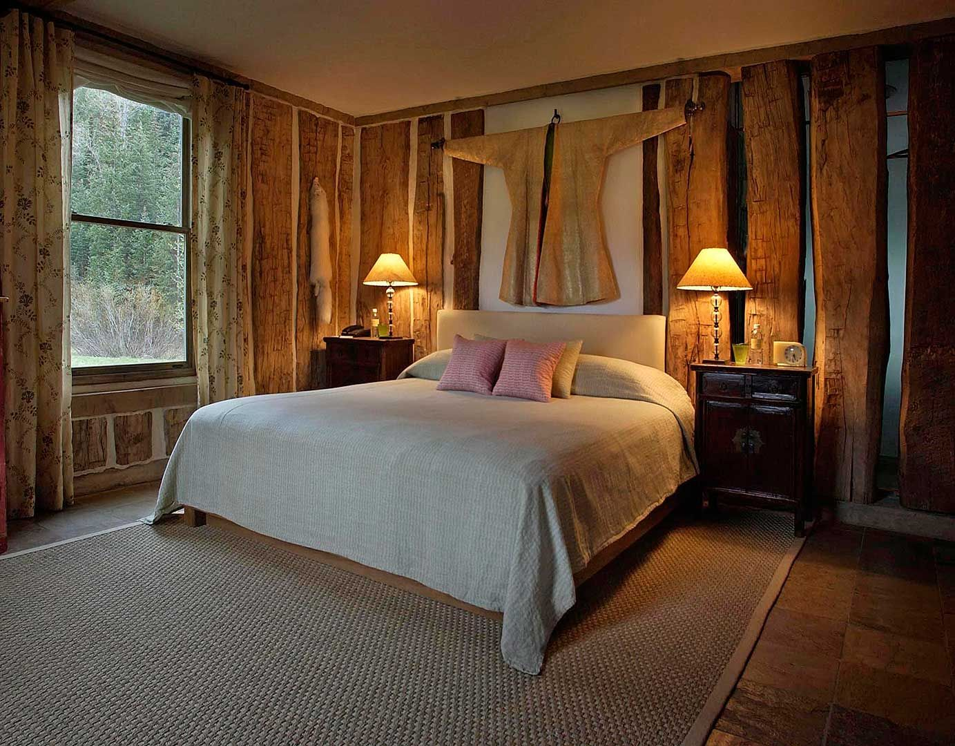 Vertical Log House Bedroom