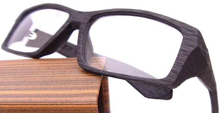 Wooden glasses have become virtually indispensable fashion accessory even with people without diopters. Here are some ideas.