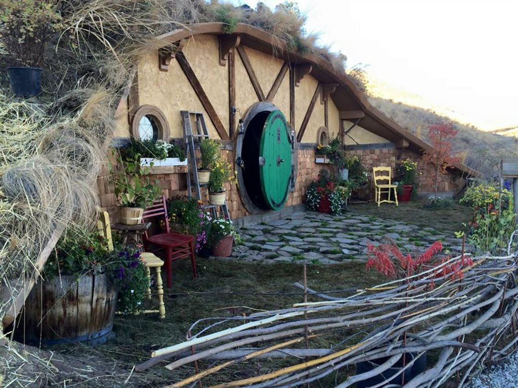 Tiny house expert and designer Kristie Wolfe created fairy Hobbit Home in Hobbit House micro-community, located in Chelan, Washington. Hobbit ...