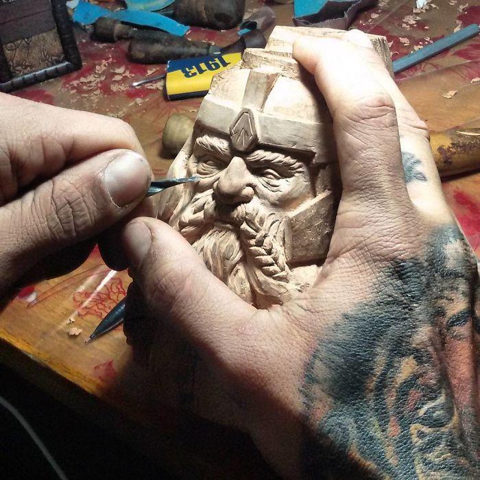 Carving Movie Characters, Sidrit Vaqari