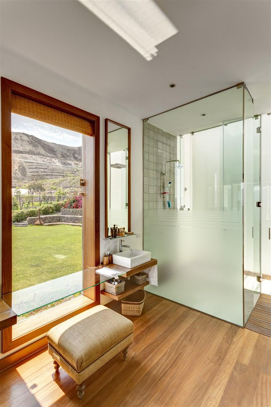 wood flooring, bathroom design ideas
