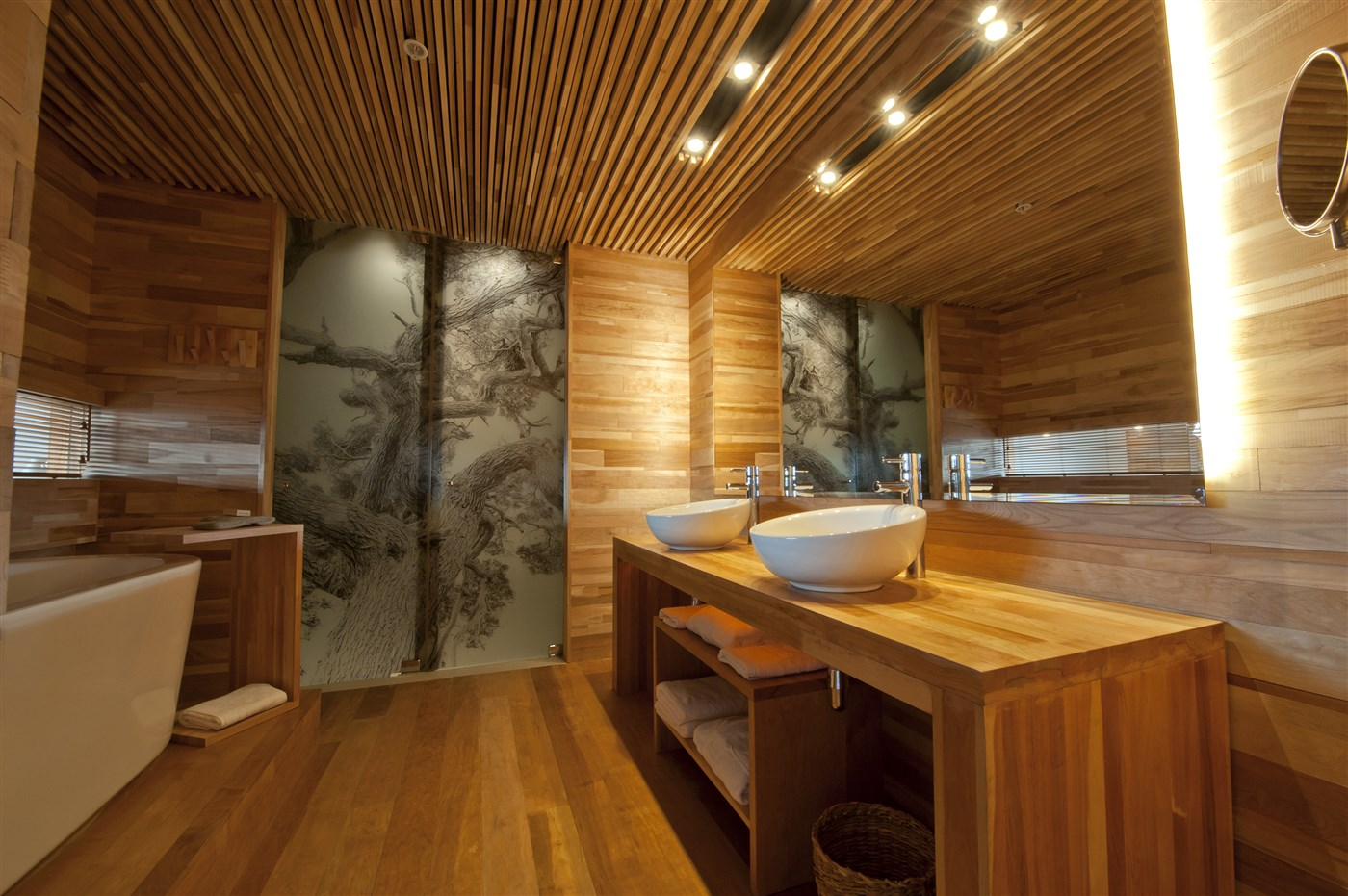 Wood floor, wall and ceiling design ideas, bathroom