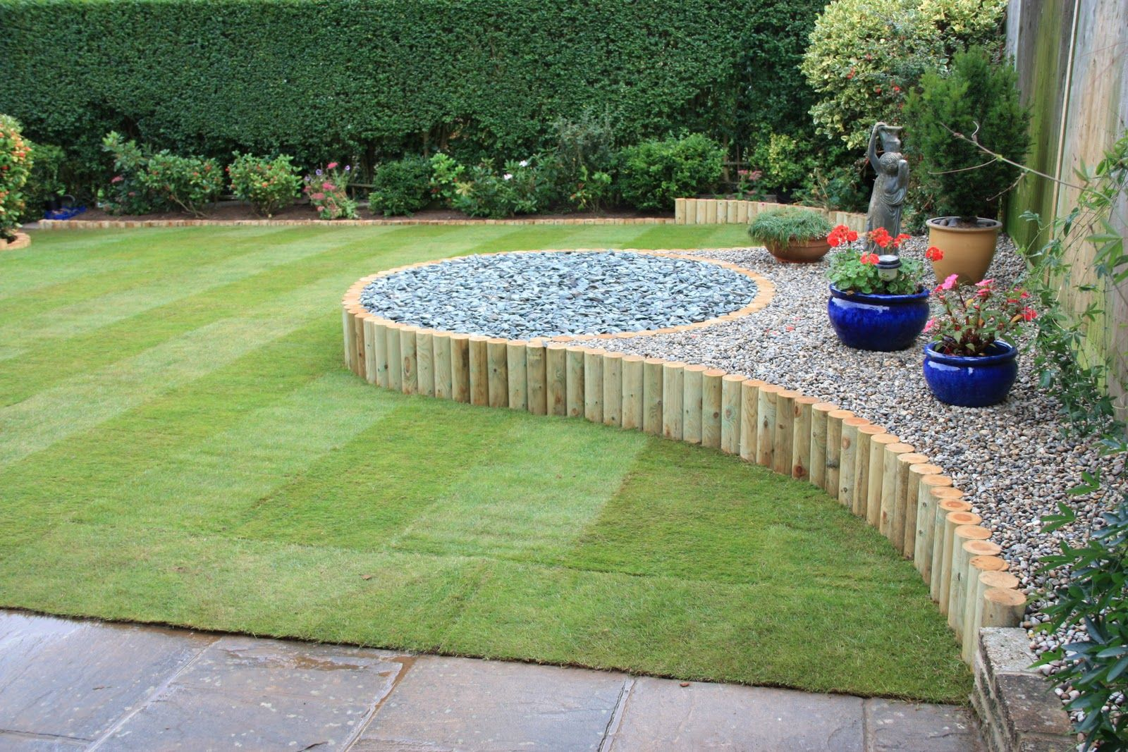 Wood garden borders design ideas