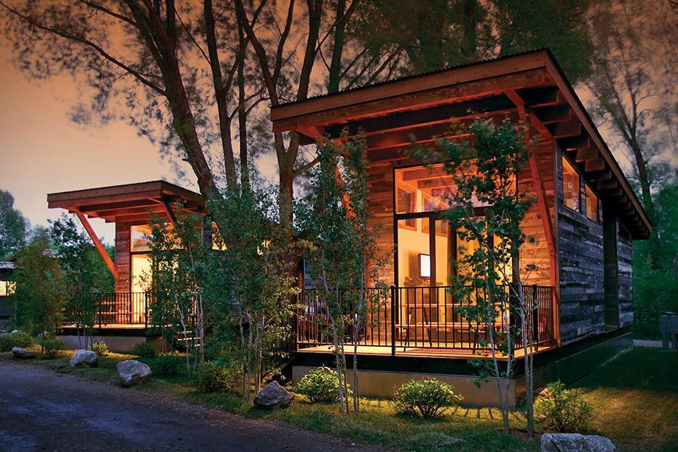 cozy wood cabin on wheels design ideas