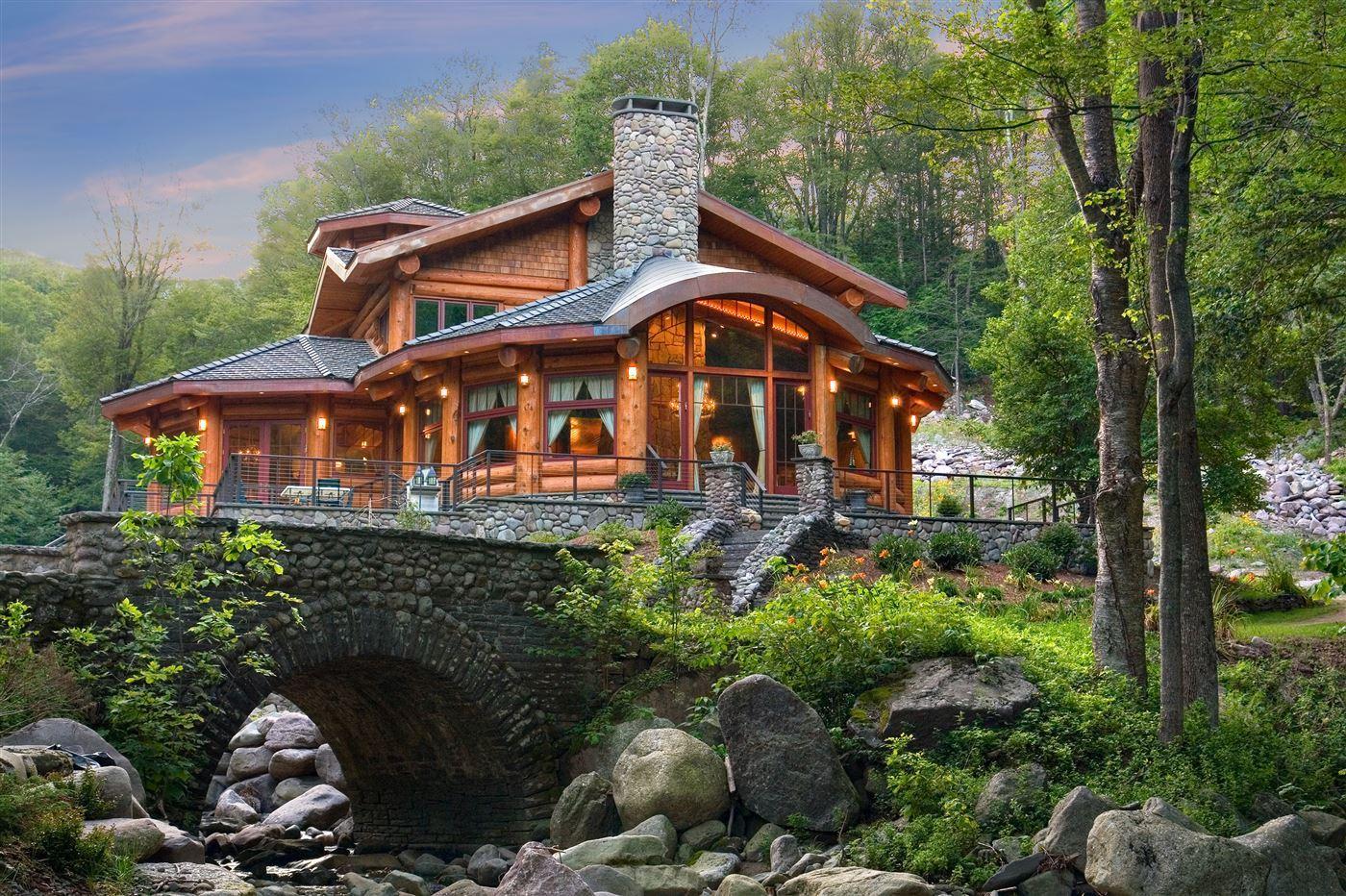 Cabin fever, wood facade